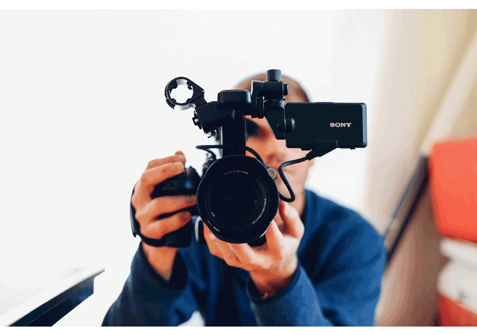 Roundup: Using Video Marketing to Win Your Customers Over