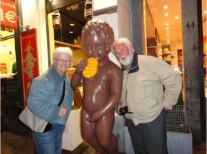 Manneken pis - brussels - older tourists. Photo Credit: VirtualTourist.com